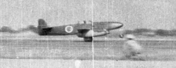 "fujisan-ni-noboru-hinode: "" J8N-1 Kikka prototype jet aircraft with ground crew, Kisarazu Airfield, Japan, 7 August,1945. """
