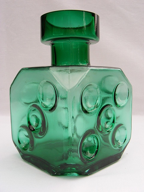 Riihimaki 'Noppa' green glass vase