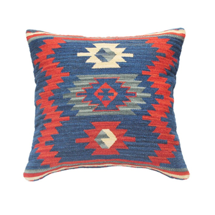 Decorative Pillows Kilim : 76 best Textiles images on Pinterest So done, Decorative pillows and Decorative throw pillows