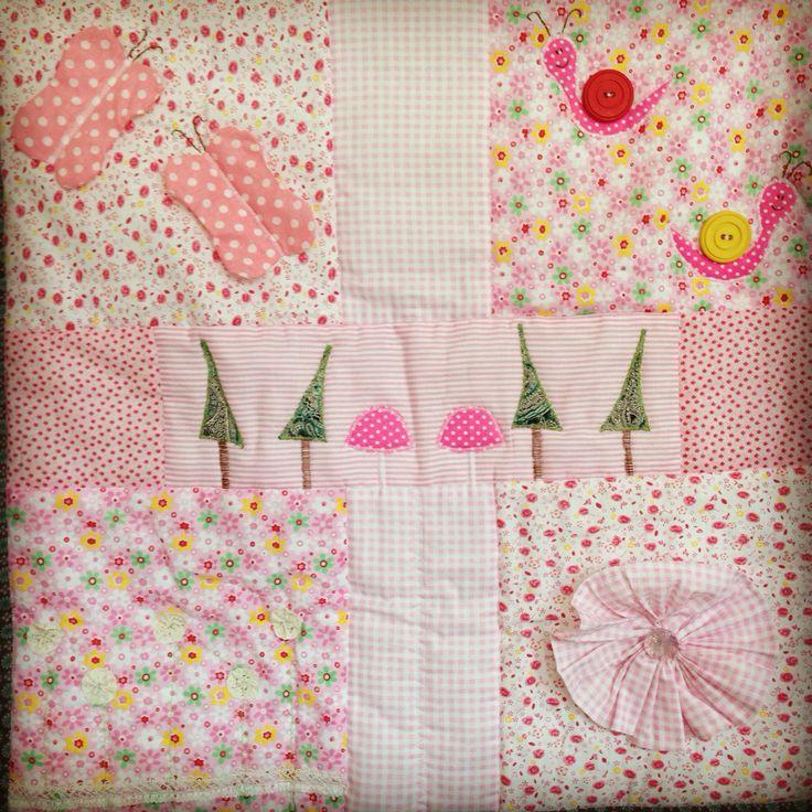 """Одеяло / коврик """"Волшебный лес"""" для девочки, бабочки шуршат, улитки с большими, яркими пуговицами, цветок на липучке:)"""
