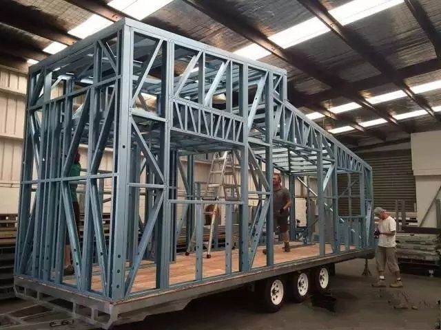Tiny House With Trailer In 2020 Steel Frame House Tiny House