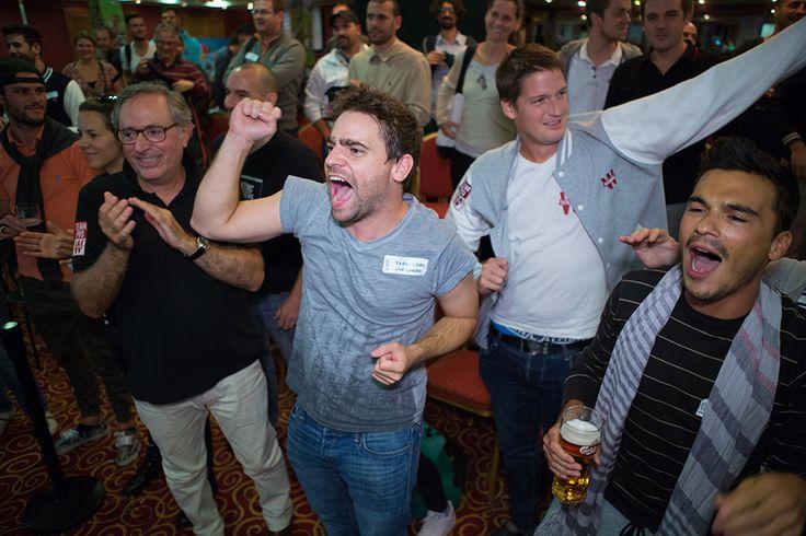 Les supporters d'Antonin Teisseire célèbrent sa victoire #WPODublin #Poker #Winamax