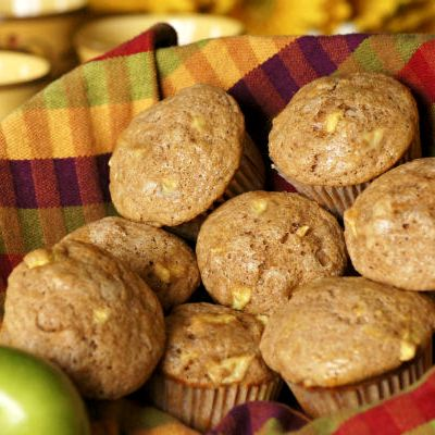Ha gyorsan sütnél valami finomat, egészségeset, akkor ez az almás, zabpelyhes muffin remek választás!