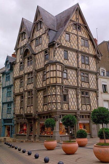 Angers, capital de la histórica provincia de Anjou en el oeste francés.