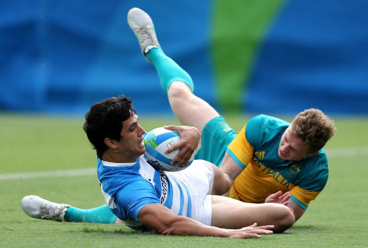 Matias Moroni of Argentina scores a try during the Men's Rugby Sevens placing 5-8 match between Argentina and Australia on Day 6 of the Rio 2016 Olympics at Deodoro Stadium on August 11, 2016 in Rio de Janeiro, Brazil.