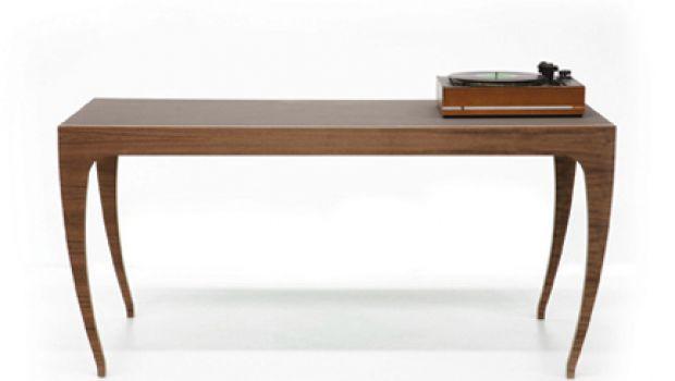 Druzhba 4, il tavolo in cemento di Design Apparat