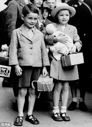 Michael Aspel among two thousand WW2 children evacuees reunited 70 years later