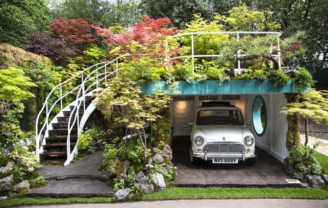 Chelsea Flower Show 2016: Senri-Sentei - Garage Garden was designed by Kazuyuki Ishihara #austincooper #mini #miniaustin #vintagemini