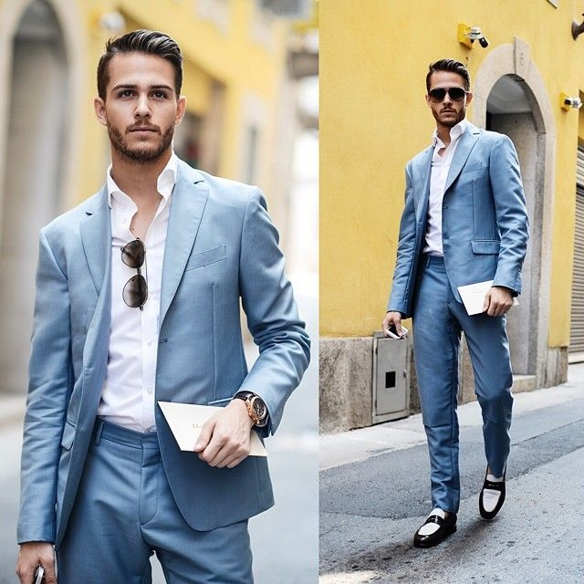 Light blue suit, dressed down and very summer chic