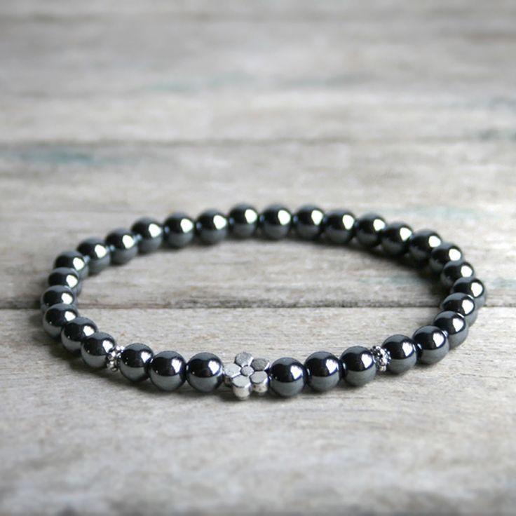 Bracelet Litho * Perles d'Hématite, pierre fine - Fleur et perles argentées - Bijou lithothérapie en pierre de gemmes / pierre naturelle : Bracelet par joaty