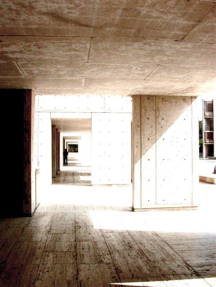 A 113 años del nacimiento de Louis Kahn  Instituto Salk   #arquitecto #arquitectura