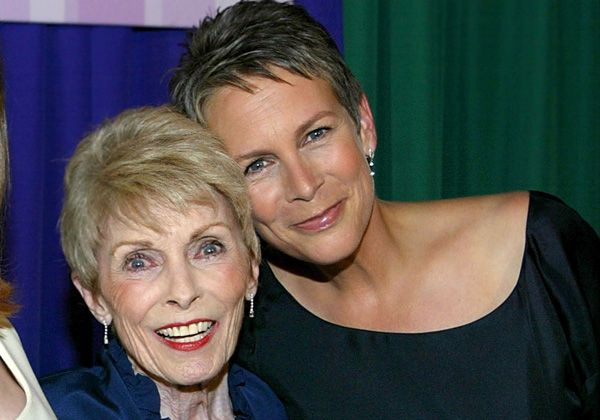 Janet Leigh e Jamie Lee Curtis // Foto: Getty Images