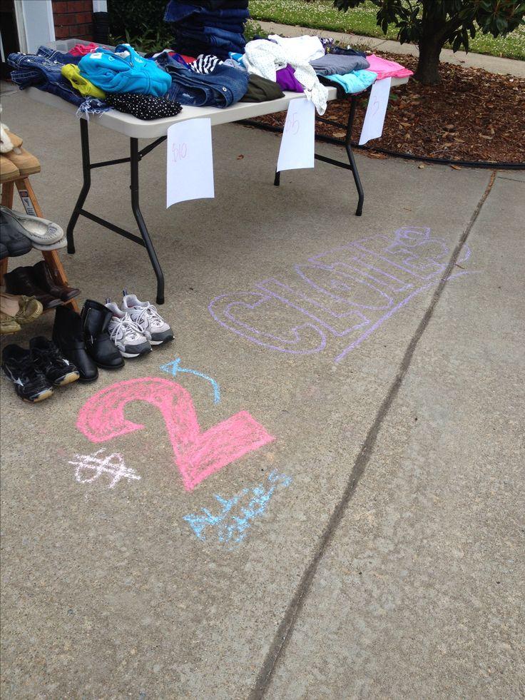 Use sidewalk chalk for yard sale signs!  Genius!