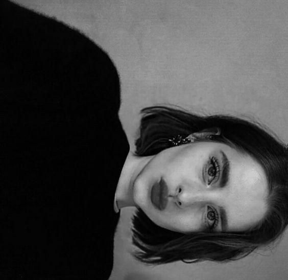 Haben Sie versucht, Ihr Selfie in Schwarzweiß zu belassen? Diese einfache Bearbeitung macht alles schick