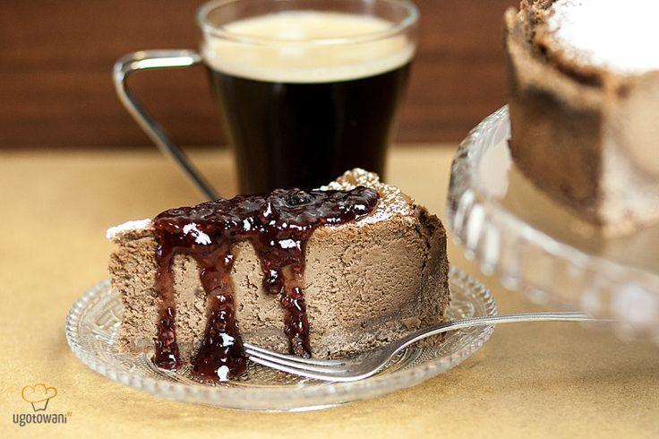 Sernik czekoladowo- kawowy z malinami by SielskiBox – Jeszcze do niedawna znane mi były tylko boxy kosmetyczne. Fantastyczne jest to, że moda na boxy się rozszerza i obecnie na rynku dostępne są boxy ze zdrową żywnością, z naturalnymi sokami, z kawami czy herbatami. Brakuje mi tylko czasu i trochę też kasy, żeby zamówić... #boxyzżywnością #ciastonaniedzielę #czekoladowo