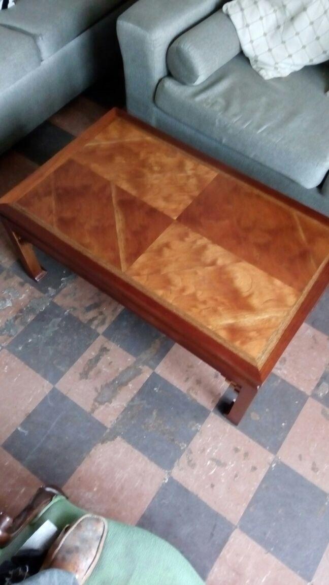 Mesa restaurada por Luis Gonzales de Chatanoga (Bogotá-Colombia)