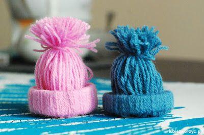 Czapka z wełny i rolki po papierze toaletowym ;)  #instrukcja #instruction #instructions #handmade #rekodzielo #DIY #DoItYourself #handcraft #craft #lubietworzyc #howto #jakzrobic #instrucción #artesania #声明 #czapka #hat #gorra #Mütze #шапка #wełna #wool #lana #羊毛 #Wolle #ШЕРСТЬ