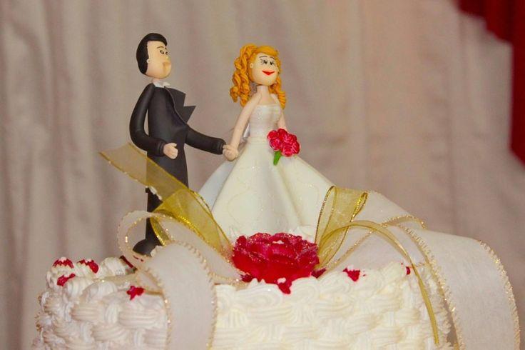 Bikin Kue Pengantin Semakin Cantik dengan Dekorasi Topper Cake
