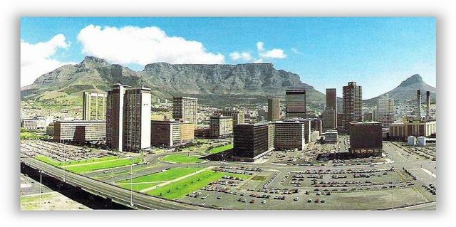 Foreshore and Table Mountain, Cape Town