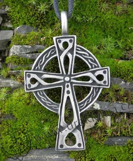 IRSKÝ+KŘÍŽ+-+bohatě+zdobený
