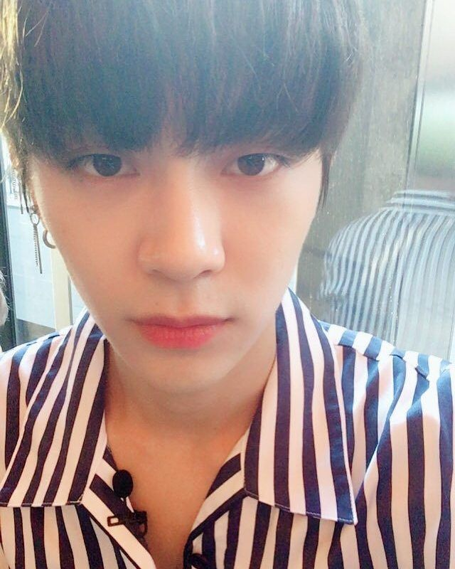 """24 Likes, 1 Comments - 헤일로 (@halove.an) on Instagram: """"¿cómo NO enamorarse de éste hombre? 😻💘 #HALO#HALOVE#HAVE#HAVECHILE #HALOVEAN#CHILE#KPOP#HAVE#OOON…"""""""