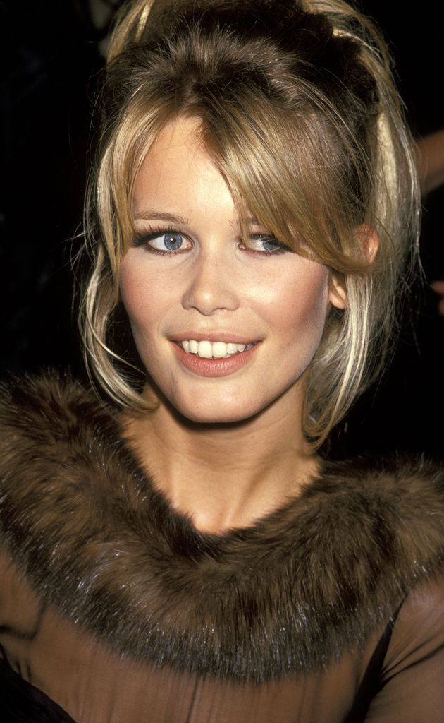 Claudia Schiffer Claudia Schaefer Do Not Let Parenting Stress You Out Article Body: Parenting does n Claudia Schiffer, Girls Natural Hairstyles, 90s Hairstyles, Helene Fischer News, Hair Inspo, Hair Inspiration, 90s Grunge Hair, Original Supermodels, Hair Trends
