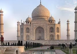 Delhitour offers  Tour package services in New Delhi at affordable prices. Book now and get exclusive online discounts. Book now call +91- 9873734364 http://delhitours.org/