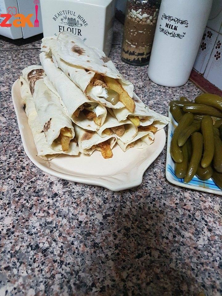طريقةعمل خبز الشاورما وطريقة الشاورما السوري الأصلية زاكي Starbucks Recipes Food Arabic Food