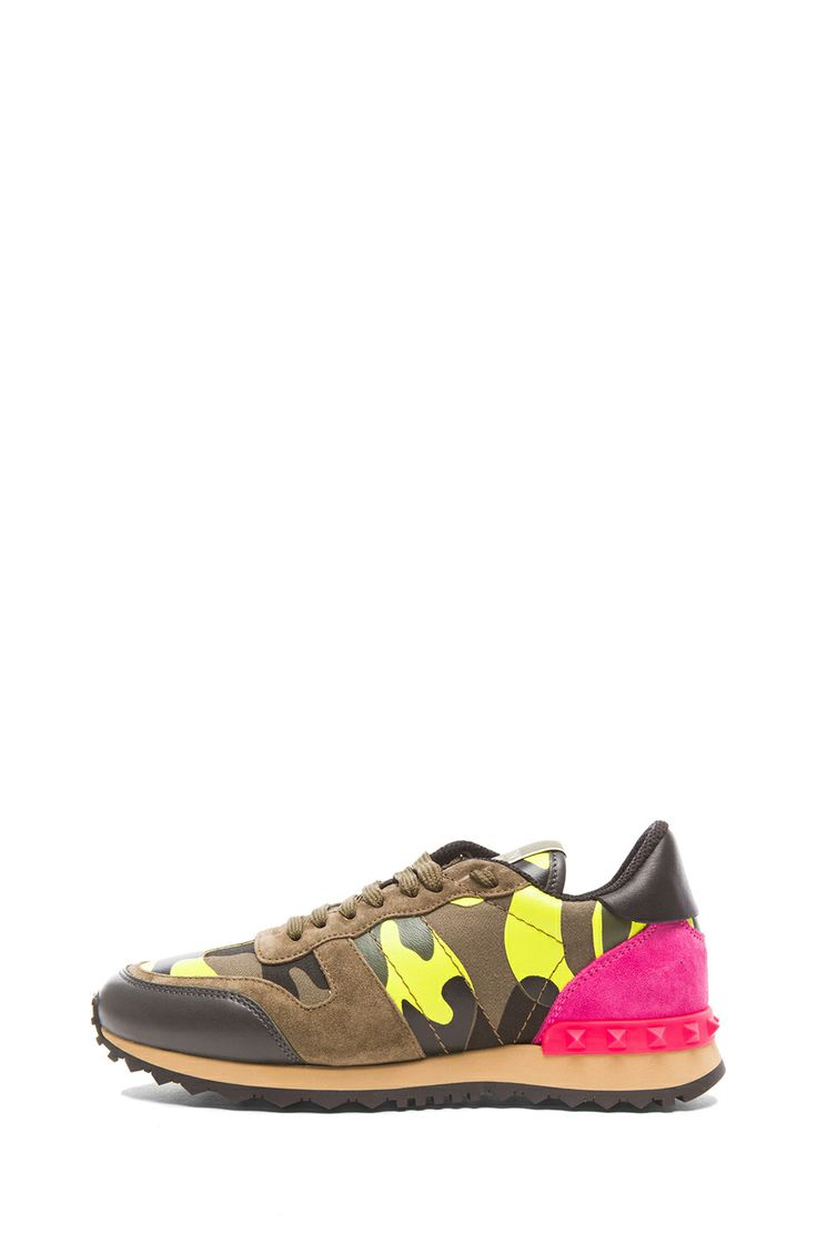 1000 ideas about valentino camo sneakers on pinterest valentino sneakers air max 90 and new. Black Bedroom Furniture Sets. Home Design Ideas
