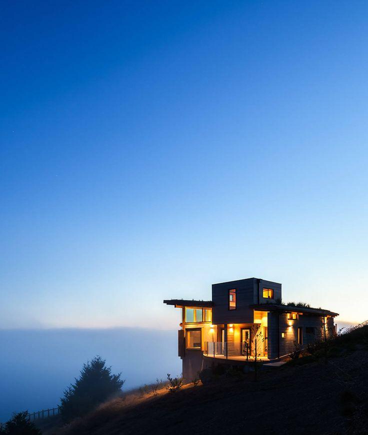 Uma casa de sonho no topo do penhasco.  https://www.homify.pt/livros_de_ideias/321582/uma-casa-de-sonho-no-topo-do-penhasco