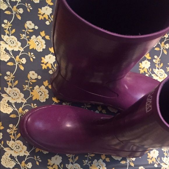Helly Hansen purple rain boots, LIKE NEW! Tall, size 10 by Helly Hansen, plum color with little wear! Helly Hansen Shoes Winter & Rain Boots