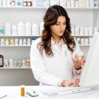 Career Summary and Educational Requirements for a Pharmacist