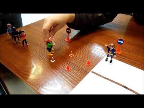 Con este circuito simulado con clips de Playmobil reproducimos una de las actividades propuestas en nuestro trabajo. Geometría - YouTube