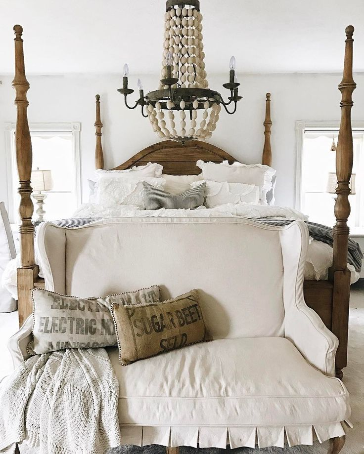 I thought because I started this Monday by making my bed it would be a good day, but it seems like this Monday wants to be a difficult one.  Nothing is going my way, but I will survive. I hope you are all having a better Monday than me. This is a sign I shouldn't make my bed. #whitecottagefarm