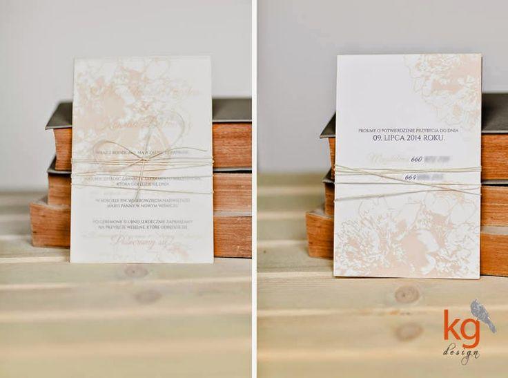 zaproszenia ślubne wiązane sznurkiem, piwonie + gozdziki