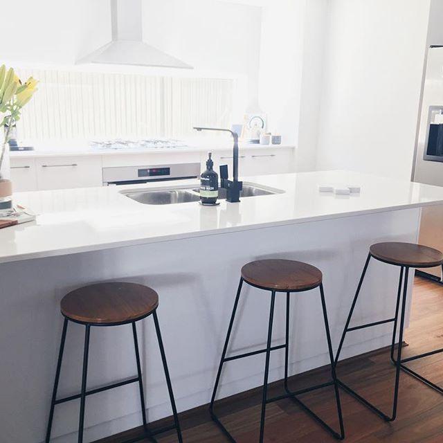 Kitchen Inspo / Tractor Stools / Matte Black Tap / White kitchen / Scandic Kitchen