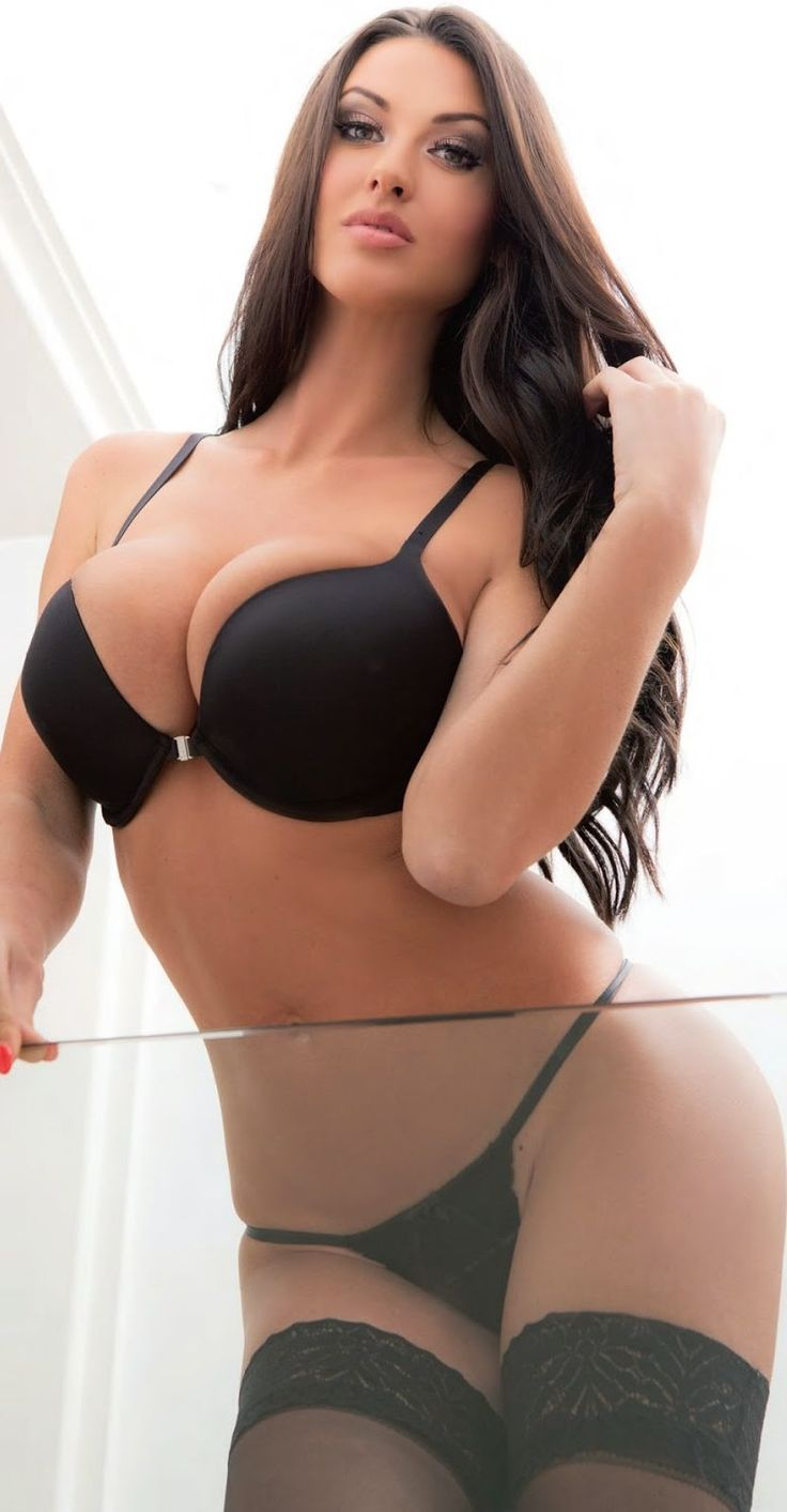 Alice goodwin models her sexy body in lingerie 10
