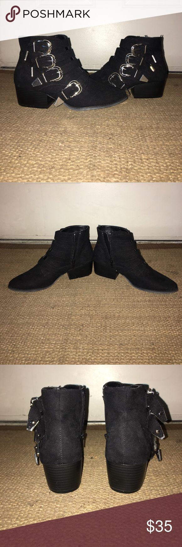 Forever 21 Multi Buckle Ankle Boot Forever 21 Multi Buckle Ankle Boot Black Suede size 8. Worn once for an interview. Minor scuffing at the inner heel. Practically new, comes from a smoke free home! No trades and no low ball offers please! Forever 21 Shoes Ankle Boots & Booties