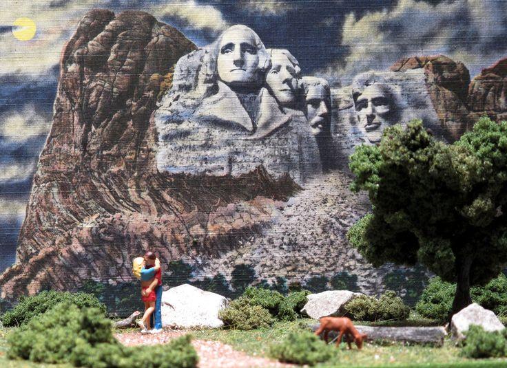 tiny kiss at Mt Rushmore