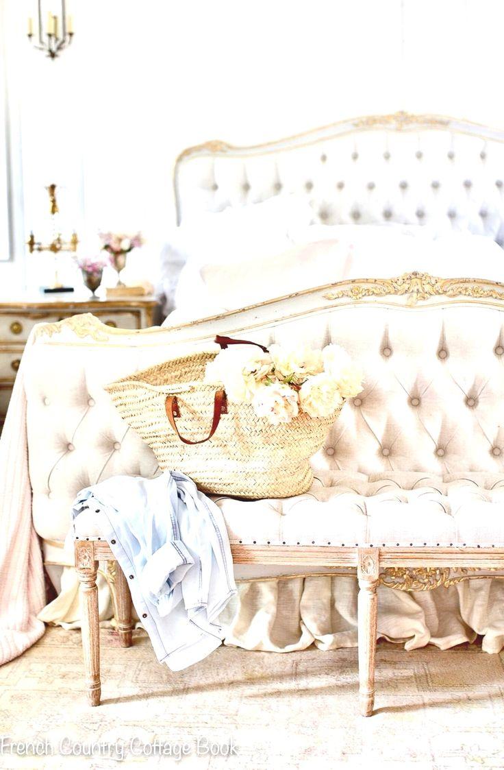 13+ Minimalist Bedroom Decorating Ideas in 2020
