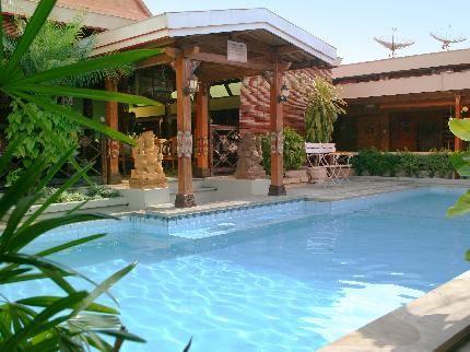 BATIK HOTEL YOGYAKARTA A Hotel in Malioboro with Traditional Javanese AmbienceJl. Dagen, Taman Komplek Yuono, Yogyakarta, IndonesiaPhone: (0274) 561 828, 561 823 Located in