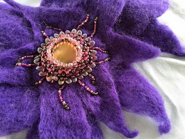 Blooming brooch
