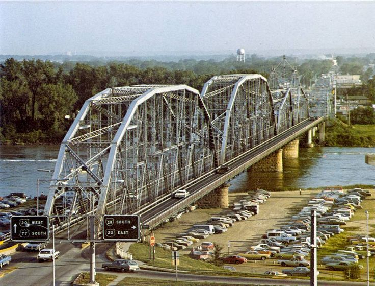 The Combination Bridge that connected Sioux City Iowa to South Sioux City Nebraska.