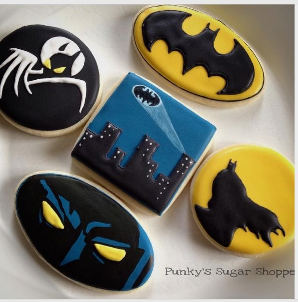 "Tara on Instagram: ""I'm Batman #batmancookies #decoratedcookies #batman #cookiedecorating #cookieart #cookiefavors #dccomics #instacookie #thedarkknight…"""