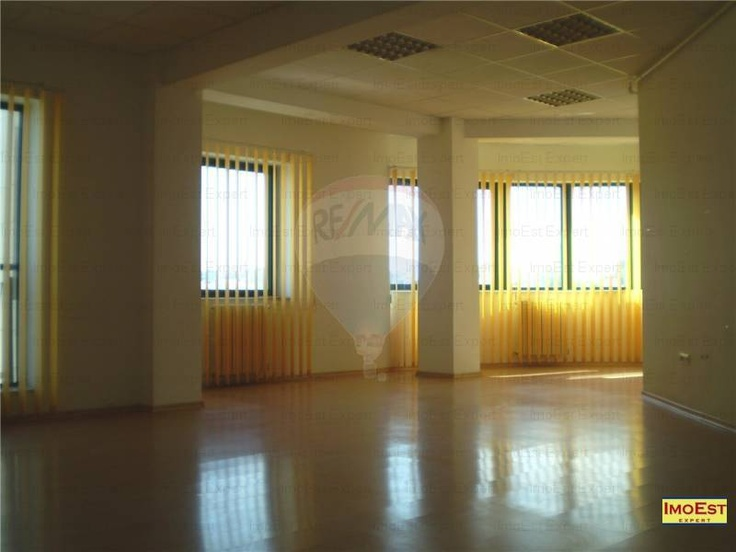 Spatii comerciale in zona Delfinariu incepand de la 52 mp cu 6 Euro/mp+TVA | Real Estate Everywhere !