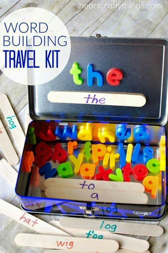Magnetic word building travel tin