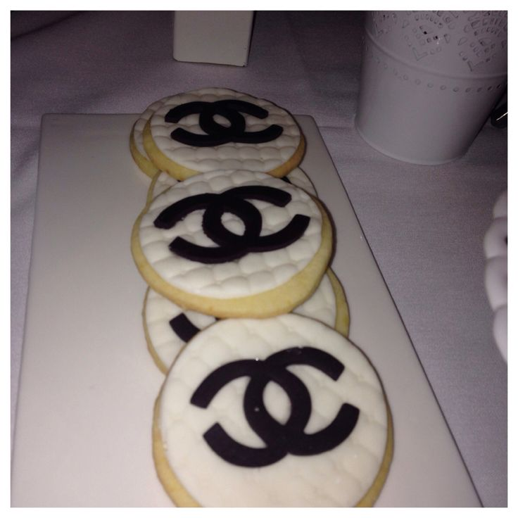 Chanel inspired -Sweet table -cupcakes -cake pops -cookies -candy