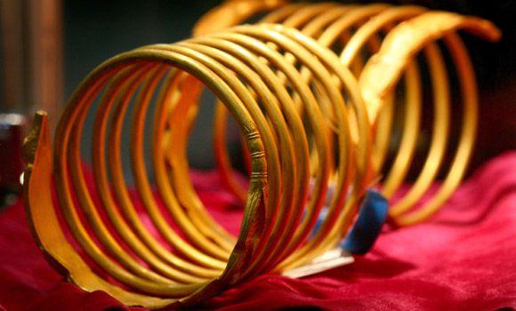 10 poveşti despre comorile din Ardeal: marele secret al lui Decebal, râpa cu galbeni şi blestemul de moarte al aurului