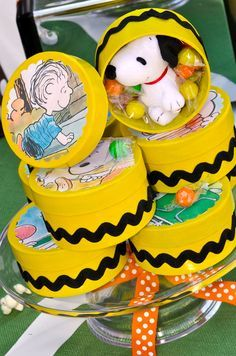 "Charlie Brown favor boxes. Stinkin cute! I'm sooo doing this for our ""Great Pumpkin, Charlie Brown"" party!"