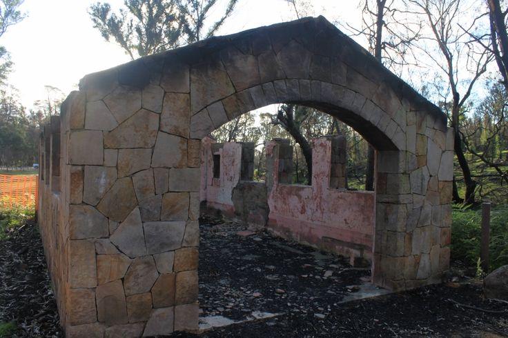 Picnic shelter at Zumsteins after 2014 Grampians bushfire